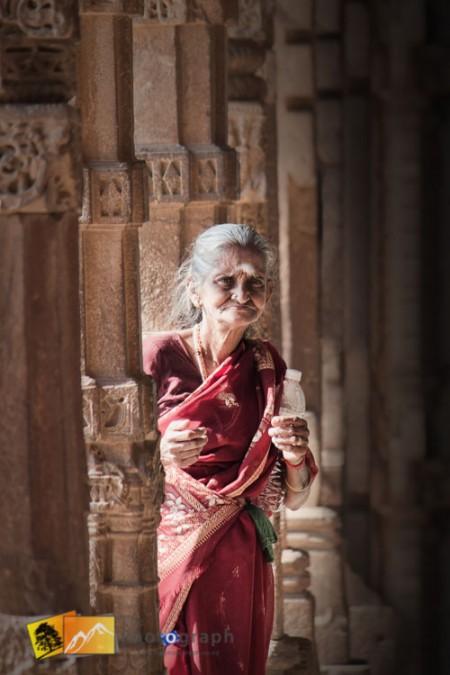 Old lady at Qutab Minar in Delhi