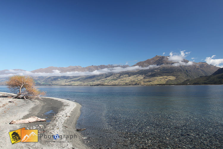 View across lake Wanaka.