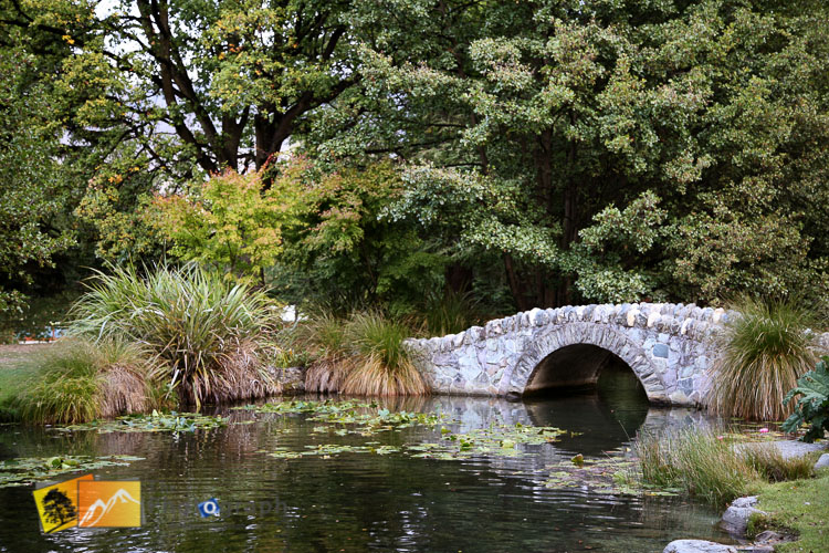 Old bridge in Queenstown park.